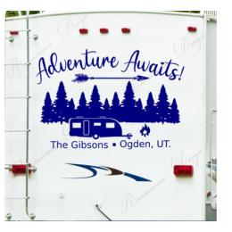 Macera bekliyor, kişiselleştirilmiş Rv çıkartması, özel son adı vinil yapışkan, Camper karavan çıkartması, mutlu kampçılar