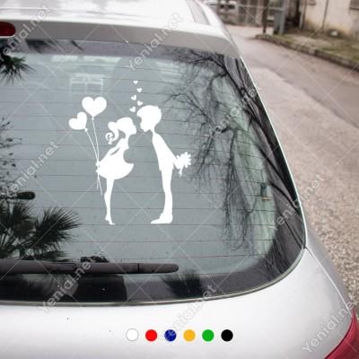 Birbirine Süpriz Yapan Sevgililer Sticker Yapıştırma