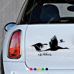 Çalılıklardan Uçuşan Pelikanlar Duvar Sticker Yapıştırma