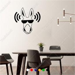 Aşırı Gürültülü Alan Dikkat Eşek Var 60x60 cm Duvar Sticker