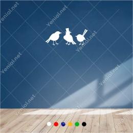 Şapkalı Kuş İle Yanında İki Kuş Konuşuyor 60x25 cm Duvar Sticker