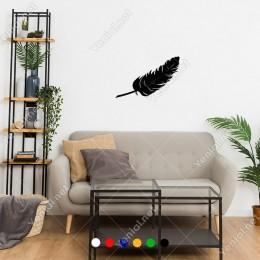 Eğik Bir Şekilde Duran Kuş Tüyü Sticker