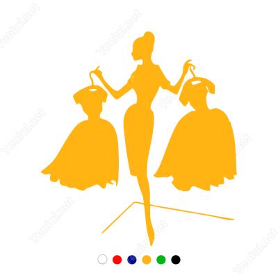 Elbise Seçimi Seksi Manken Sticker Yapıştırma