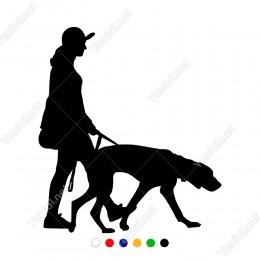 Köpeği İle Birlikte Sokakta Gezinen Kadın Sticker