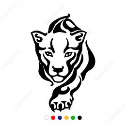Üzerimize Doğru Sessizce Gelen Aslan Sticker Yapıştırma
